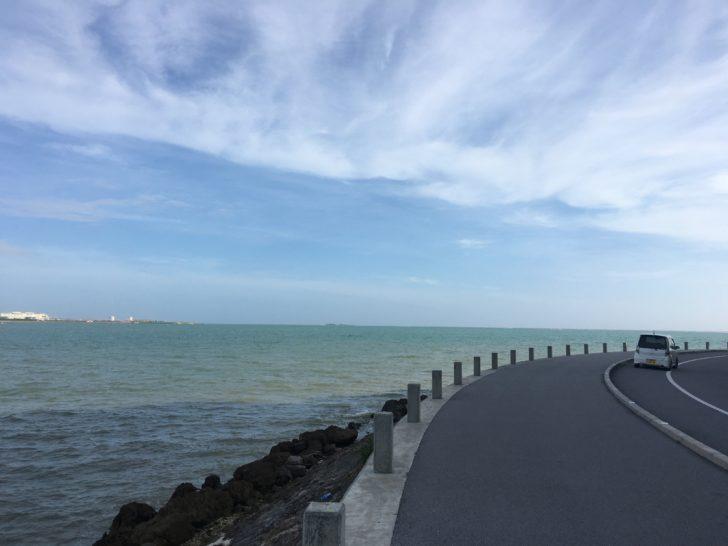 瀬長島の海岸線